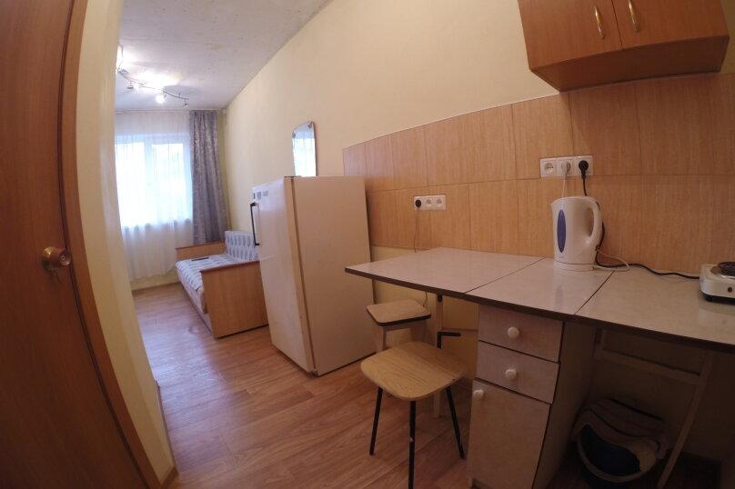 1-комн. квартира, 18 кв.м. на 1 человек, улица Королева, 14, Красноярск - Фотография 10