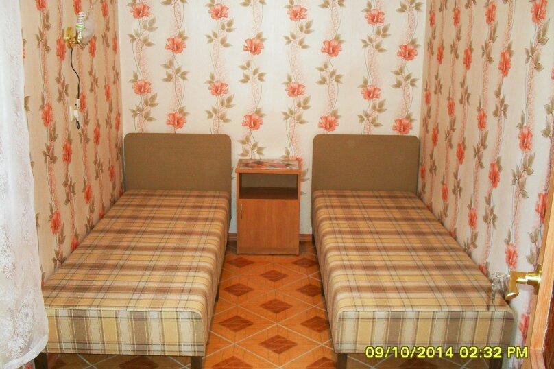 Дачный домик, 25 кв.м. на 5 человек, 2 спальни, Морская, 6, поселок Орджоникидзе, Феодосия - Фотография 3