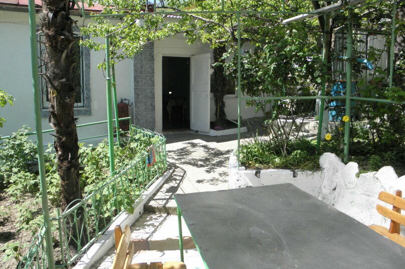 Главный дом 2-я половина, 60 кв.м. на 5 человек, 2 спальни, Пролетарская улица, 19, Гурзуф - Фотография 1
