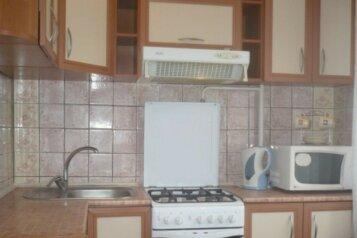 2-комн. квартира, 54 кв.м. на 4 человека, улица Воровского, Челябинск - Фотография 4