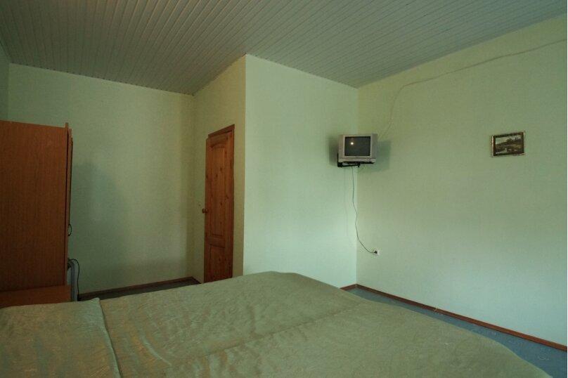 4-х местная комната с общим балконом, улица Кипарисовая, 15, Голубая бухта, Геленджик - Фотография 1