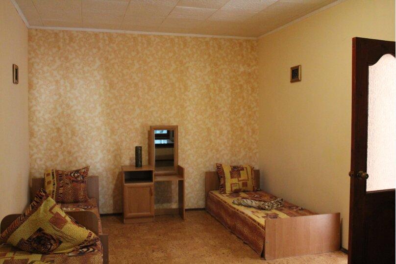 2х комнатный на 5 человек, улица Кузнецов, 2, Судак - Фотография 2