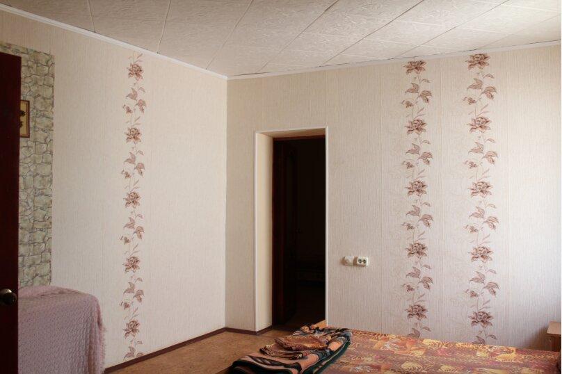 2х комнатный на 5 человек, улица Кузнецов, 2, Судак - Фотография 4