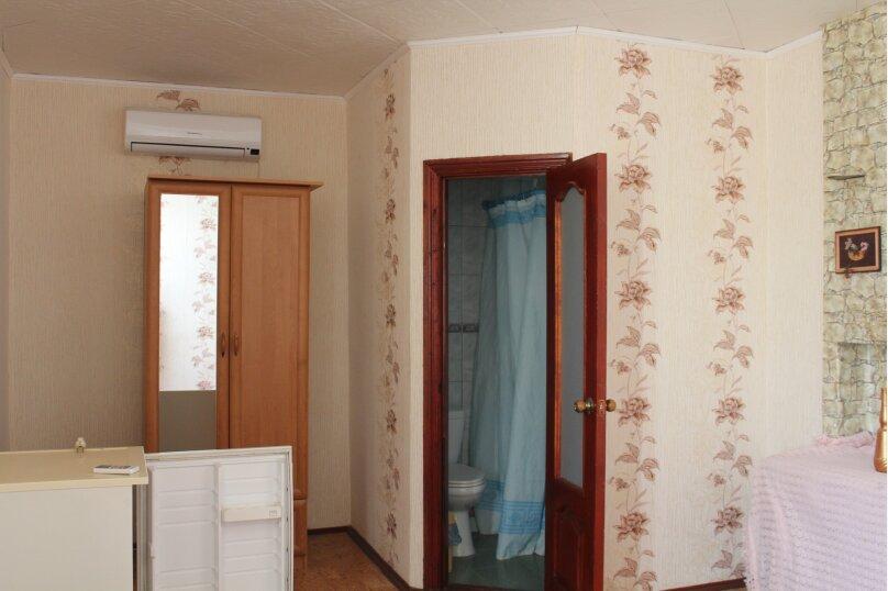2х комнатный на 5 человек, улица Кузнецов, 2, Судак - Фотография 5