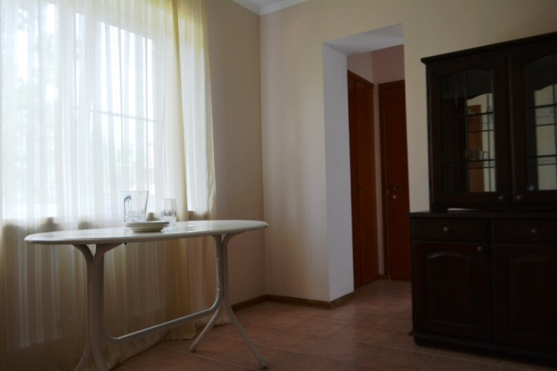 2-х комнатный 4-х местный люкс (+2), Аэродромная, 10, Голубая бухта, Геленджик - Фотография 8
