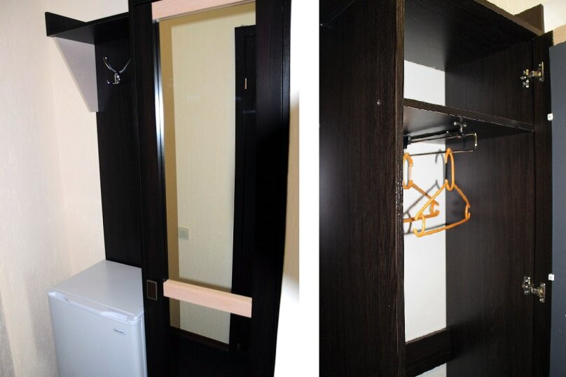 3х местный номер стандарт без кондиционера 1 этаж, Вишневая, 38, Евпатория - Фотография 2