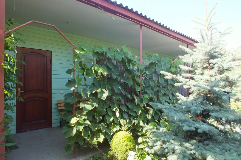 Полулюкс 2-х местный, улица Ленина, 79, Морское - Фотография 1