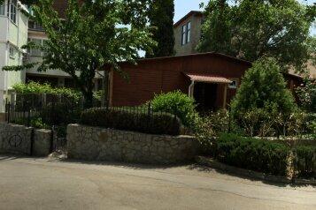 Деревянный котедж, 60 кв.м. на 6 человек, 2 спальни, улица Космонавтов, 12, Форос - Фотография 1