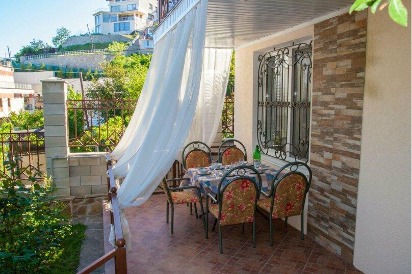 2-х этажный домик в Гурзуфе недалеко от моря, 90 кв.м. на 8 человек, 3 спальни, Гурзуфское шоссе, 9А, Гурзуф - Фотография 1