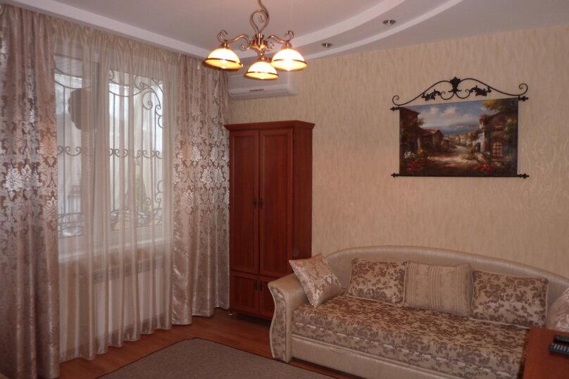 2-х этажный домик в Гурзуфе недалеко от моря, 90 кв.м. на 8 человек, 3 спальни, Гурзуфское шоссе, 9А, Гурзуф - Фотография 7