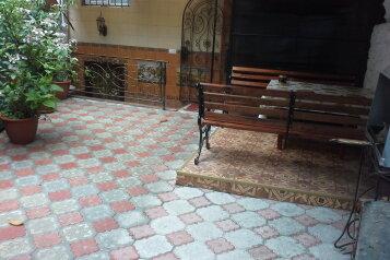 2-комн. квартира, 30 кв.м. на 4 человека, Боткинская свой двор, Ялта - Фотография 1
