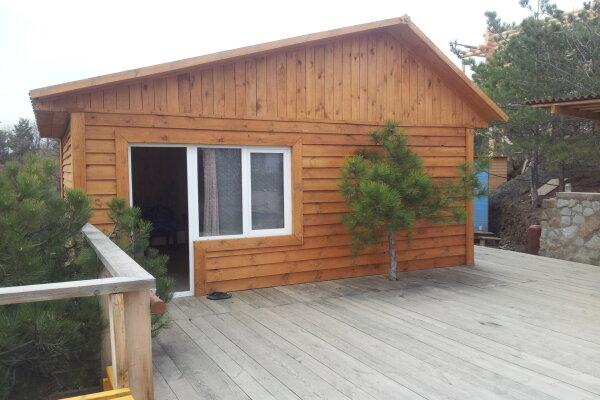 Сдам деревянный домик в Алуште, 25 кв.м. на 4 человека, 1 спальня, пер.Пограничный, 4, Алушта - Фотография 1