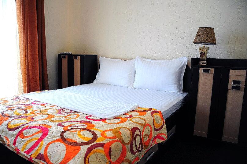2 местные номера с двуспальной кроватью 2 этаж, Вишневая, 38, Евпатория - Фотография 1