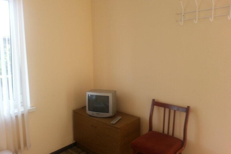 "Гостевой дом ""На Свердлова 8"", улица Свердлова, 8 на 4 комнаты - Фотография 10"