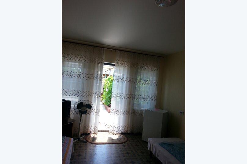 Категория нижний этаж на 4 гостя, улица Свердлова, 8, Туапсе - Фотография 1