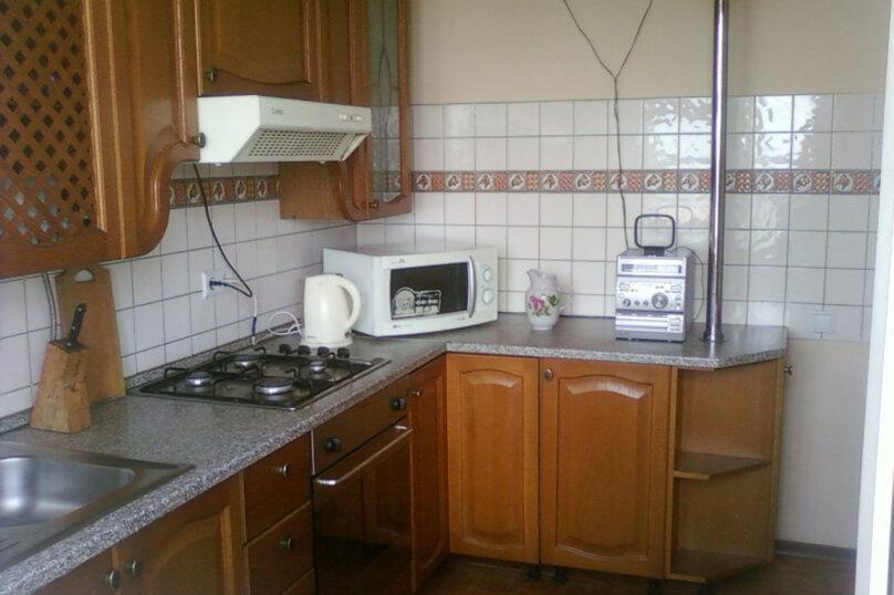 3-комн. квартира, 70 кв.м. на 10 человек, улица Самокиша, 10А, Симферополь - Фотография 1