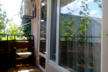 Срочно сдам домик рядом с морем ., 28 кв.м. на 4 человека, 1 спальня, Славянский переулок, Динамо, Феодосия - Фотография 2