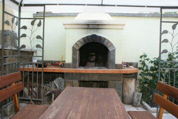 Дом под ключ, 200 кв.м. на 13 человек, 4 спальни, Платанова, 19, Долина Роз, Судак - Фотография 1