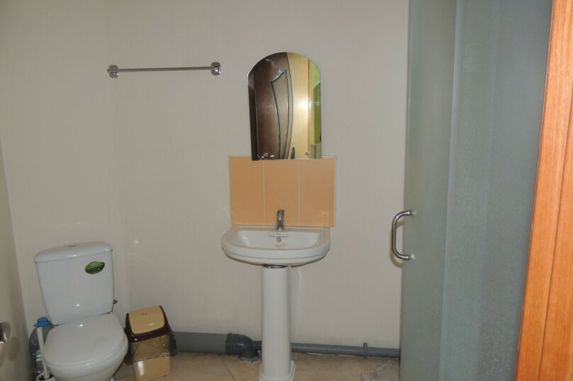 Комфорт с санузлом в номере , Новороссийская улица, 132, Геленджик - Фотография 1