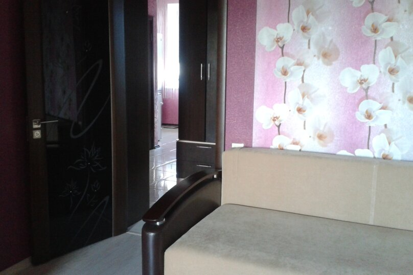 1-комн. квартира, 40 кв.м. на 3 человека, улица Азина, 40, Саратов - Фотография 2