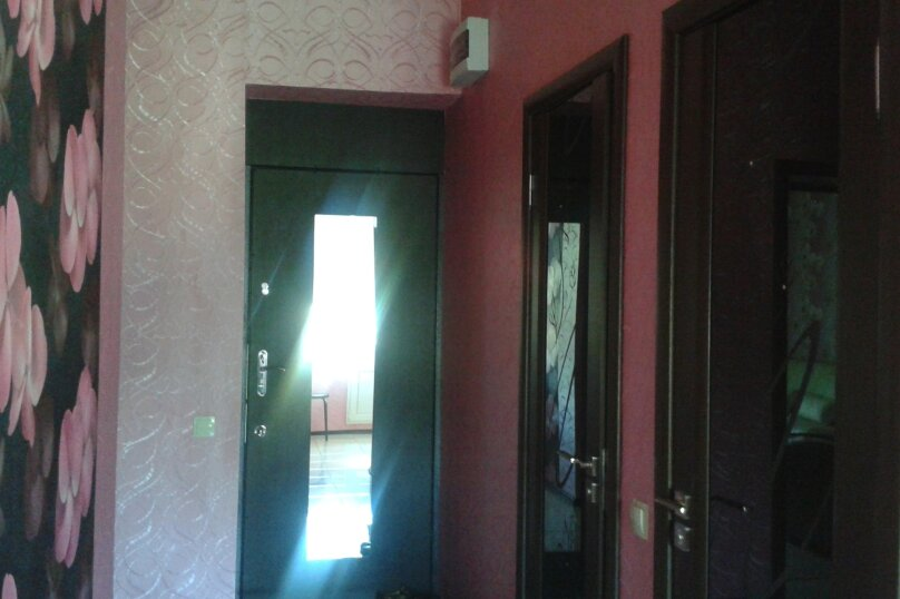 1-комн. квартира, 40 кв.м. на 3 человека, улица Азина, 40, Саратов - Фотография 3