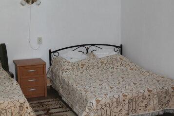 1-комн. квартира, 30 кв.м. на 3 человека, улица Фрунзе, 11, Алупка - Фотография 2