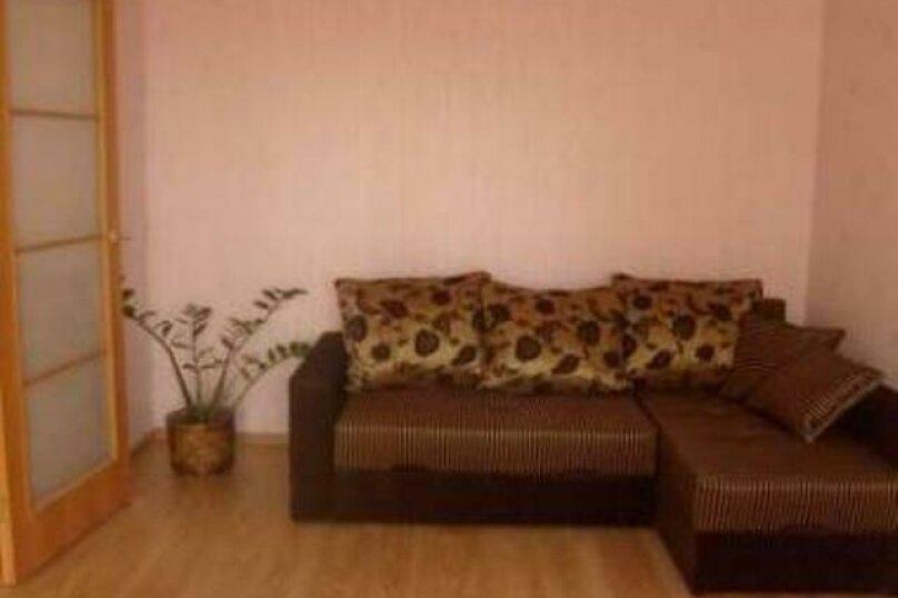 1-комн. квартира, 32 кв.м. на 2 человека, улица Салтыкова-Щедрина, 18, Ярославль - Фотография 1