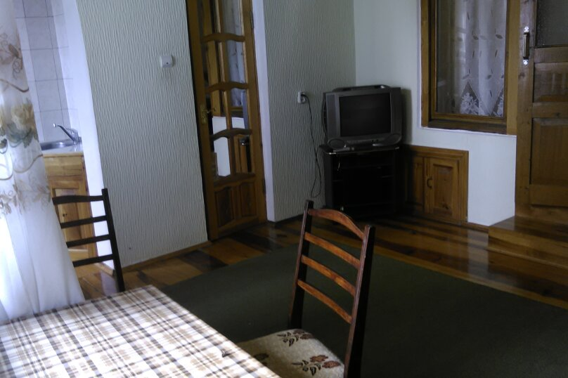 Садовый домик на 5 человек, 2 спальни, улица Ульяновых, 10, Алупка - Фотография 2