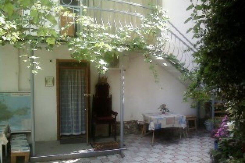 3 комнатный дом  возле моря, 70 кв.м. на 8 человек, 3 спальни, переулок Голикова, 6, Евпатория - Фотография 1