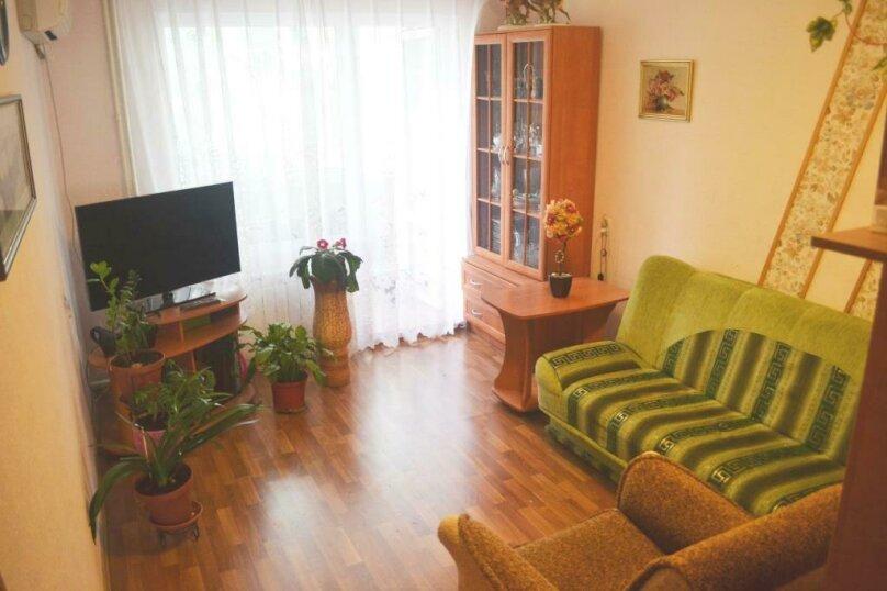 2-комн. квартира на 4 человека, Крымская улица, 82А, Феодосия - Фотография 1