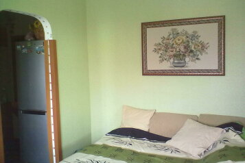 2-комн. квартира, 37 кв.м. на 4 человека, улица Истрашкина, Уютное, Судак - Фотография 1