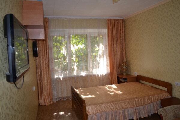 1-комн. квартира, 28 кв.м. на 3 человека, улица Истрашкина, 5, Уютное, Судак - Фотография 1