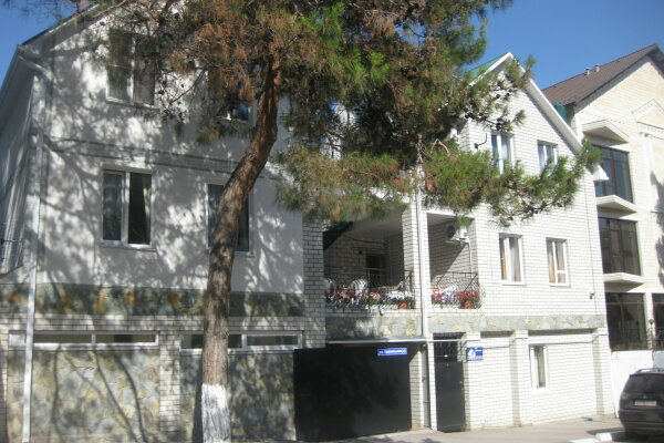 Гостевой дом, Курзальная улица, 4 на 6 номеров - Фотография 1
