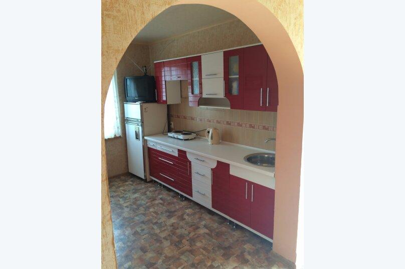Домик, 60 кв.м. на 6 человек, 2 спальни, Адмиральская улица, 17, Судак - Фотография 3