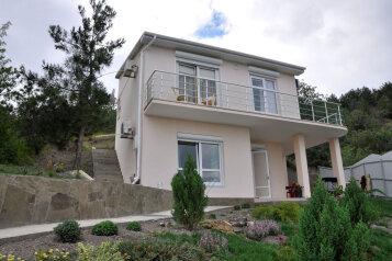 Сдаем свой дом у моря, 90 кв.м. на 6 человек, 2 спальни, кооператив Дельфин, частный участок, Алушта - Фотография 1