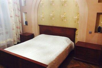 2-комн. квартира на 5 человек, Кирова, 4, Евпатория - Фотография 1