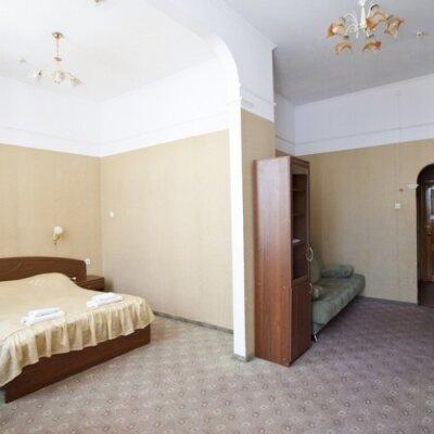 Гостиница, улица Дражинского, 14 на 18 номеров - Фотография 1