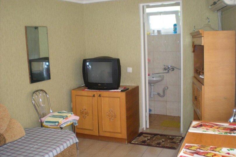 Домик с 2-х местными апартаментами и домик с 3-местными апартаментаит, улица Свердлова, 19, Ялта - Фотография 2