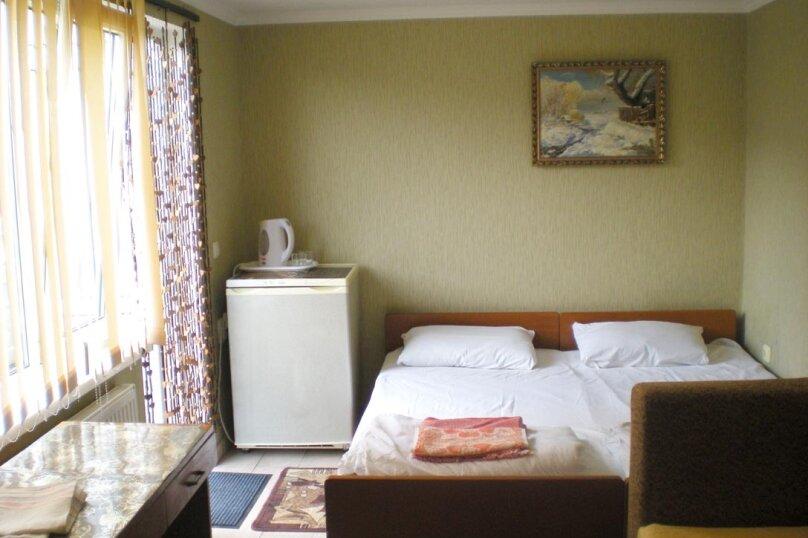 Домик с 2-х местными апартаментами и домик с 3-местными апартаментаит, улица Свердлова, 19, Ялта - Фотография 5