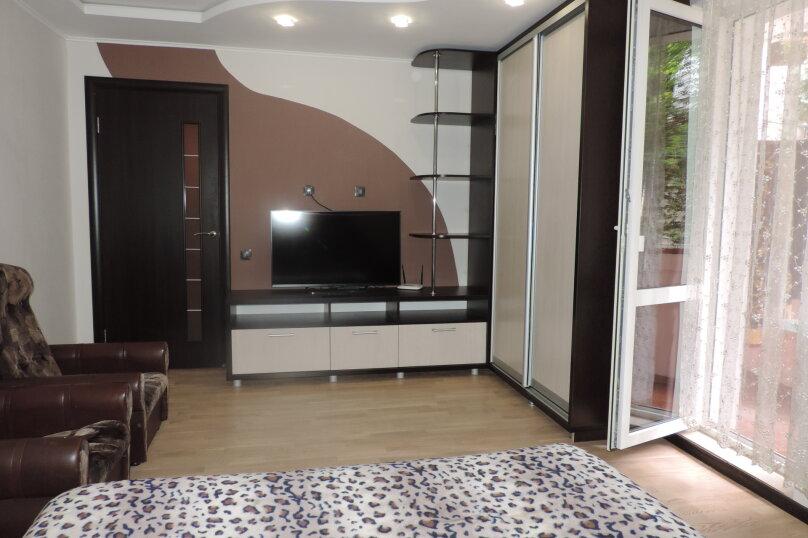 3-комн. квартира, 65 кв.м. на 6 человек, улица Подвойского, 9, Гурзуф - Фотография 1