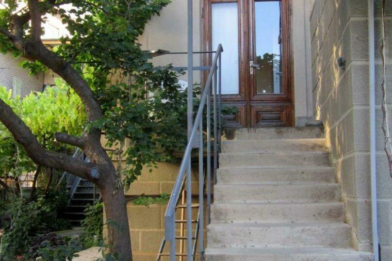 """Гостевой дом """"Чёрное море"""", Санаторный переулок, 6 на 3 комнаты - Фотография 2"""