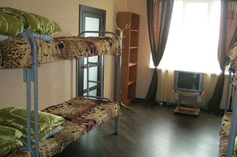 Место в общей 8-местной комнате, Ленина, 56, Воронеж - Фотография 1