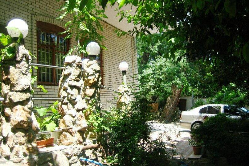 """Гостевой дом """"Радмир"""", Нагорная улица, 1 на 13 комнат - Фотография 2"""