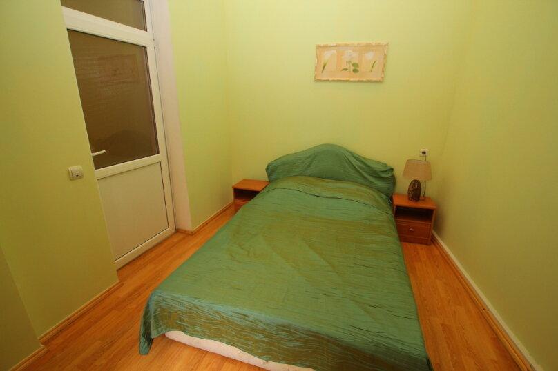2-комн. квартира на 4 человека, улица Дражинского, 4А, Ялта - Фотография 6