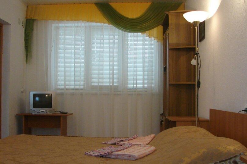 Двухкомнатный четырехместный, улица Людмилы Бобковой, 7/23, Севастополь - Фотография 3