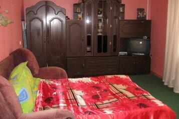 2-комн. квартира, 52 кв.м. на 5 человек, улица Мичурина, Судак - Фотография 1