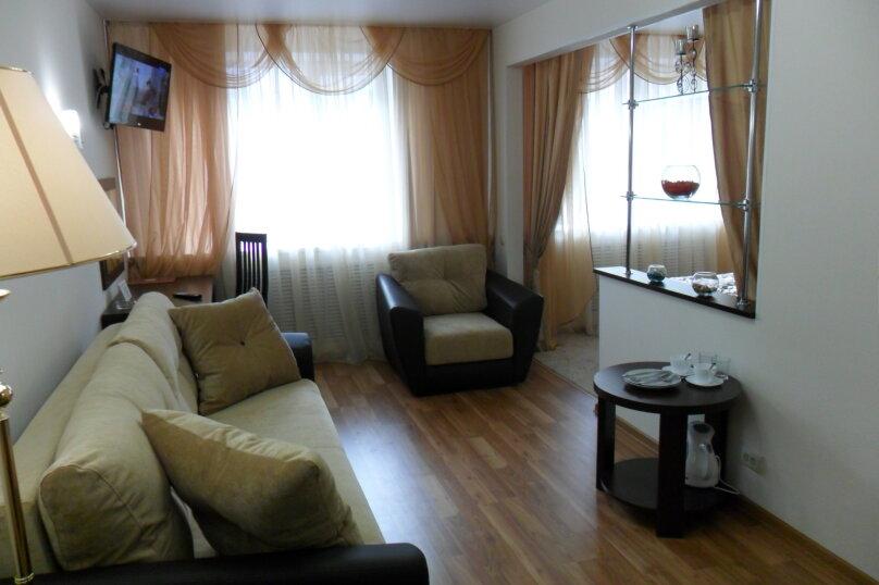Люкс 2-х комнатный, Баррикадная улица, 1Г, Волгоград - Фотография 1