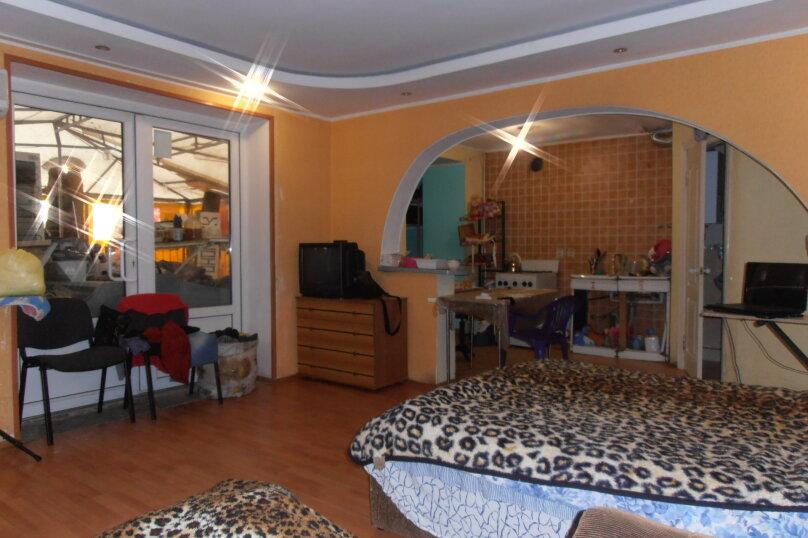 2-комн. квартира, 48 кв.м. на 5 человек, улица Ленина, 45, Алушта - Фотография 1