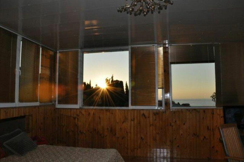 Часть дома. Панорамный люкс с балконом. на 2 человека, 1 спальня, улица Васильченко, 16, Симеиз - Фотография 24