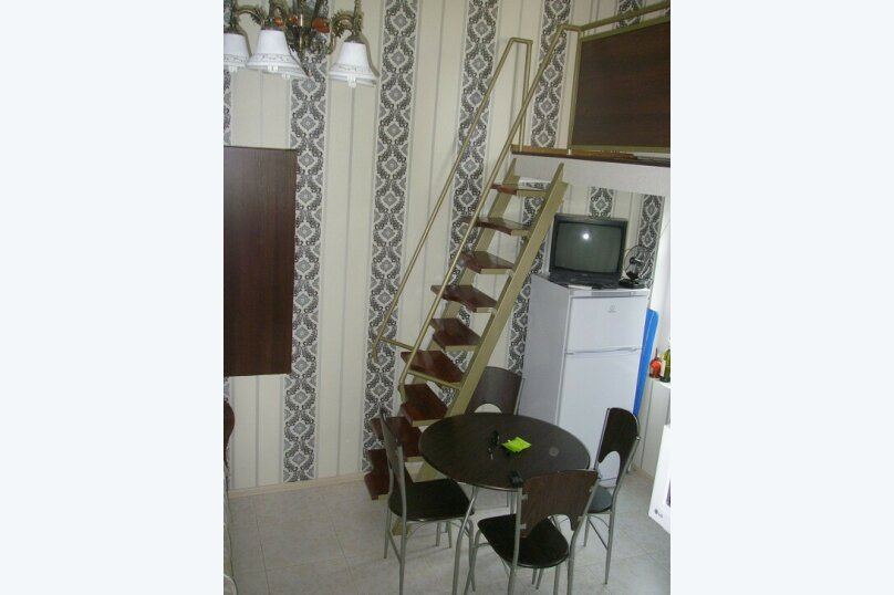 Коттедж для 4-х Однокомнатный в двухуровнях, 30 кв.м. на 4 человека, 1 спальня, улица Руданского, 11, Ялта - Фотография 3